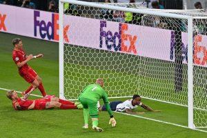 Tin tức Euro 2020 -Tuyển Anh giành vé vào chung kết trong tranh cãi